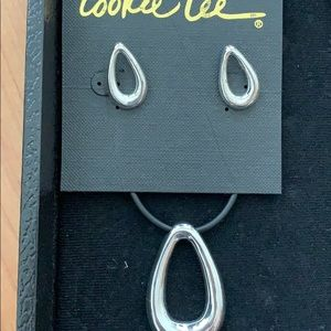Cookie Lee Contemporary Necklace/Earring Set